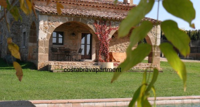 Casa Isabelle. Masia with private non - chlorine pool, 15mins to beach